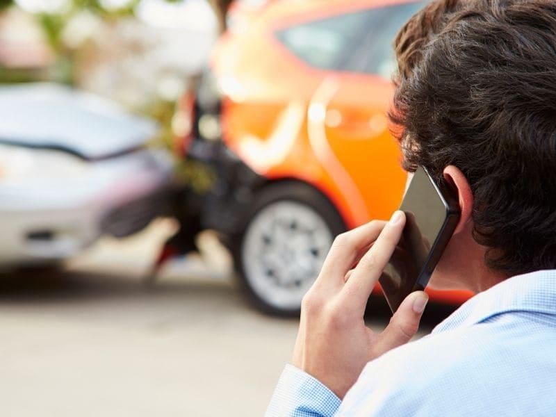 Prêt voiture et accident : un duo compatible ?